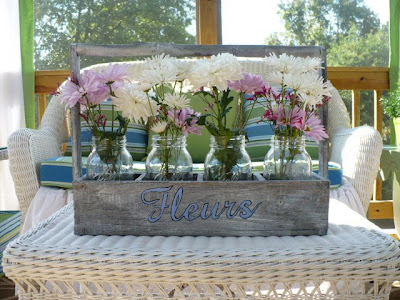 fleurs crate with ball jars