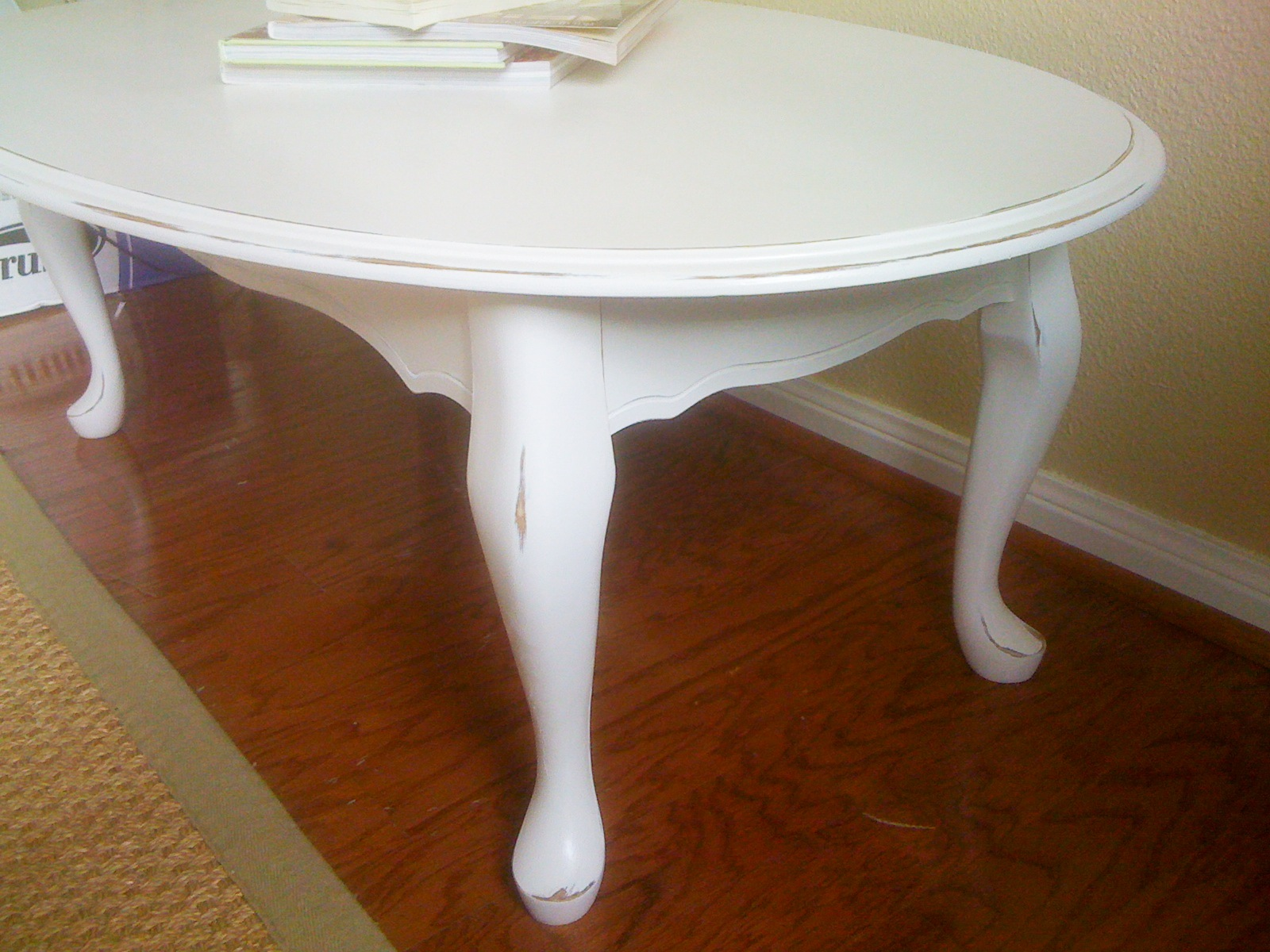 White Oval Coffee Table 2 JPG