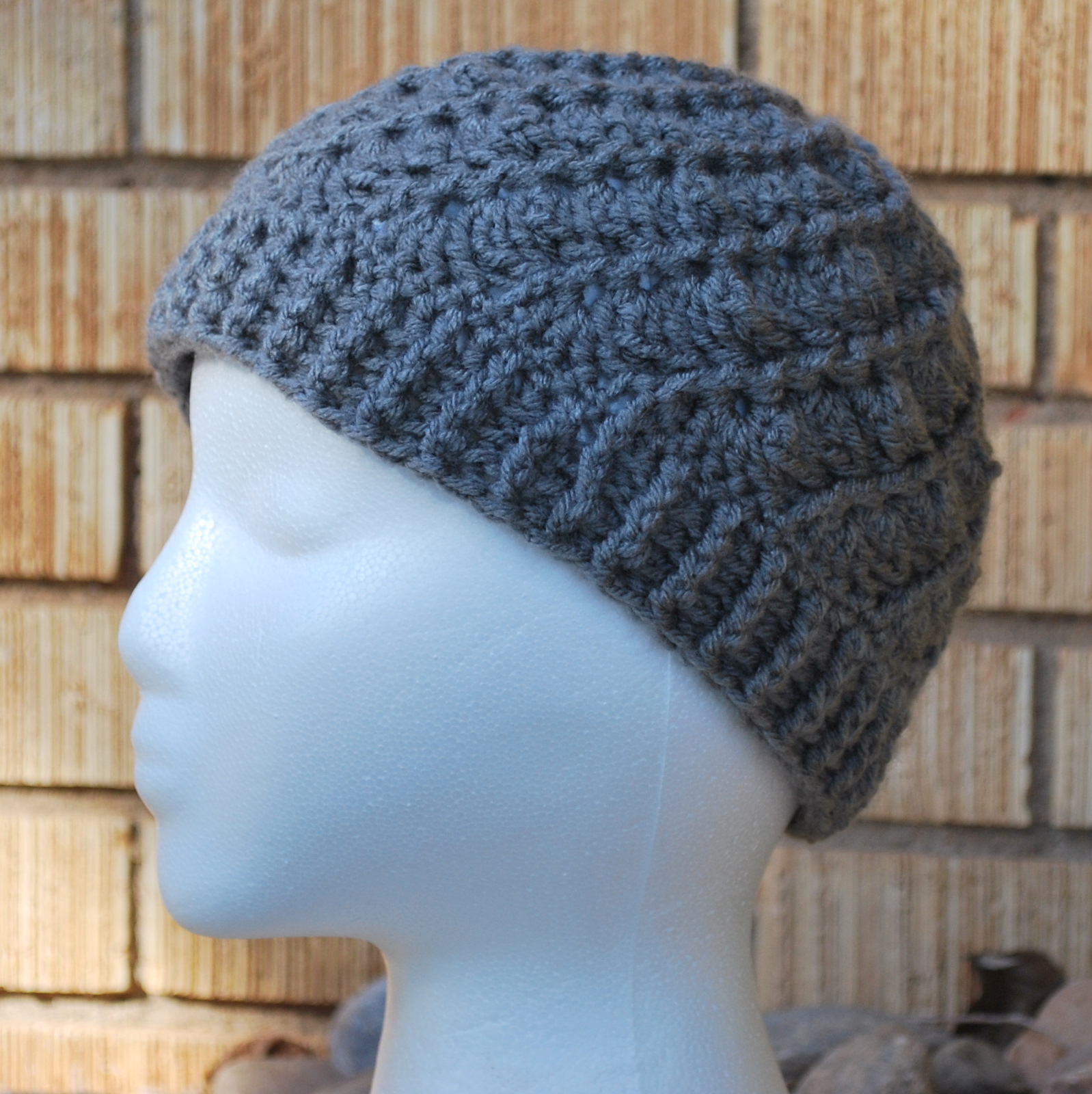PATTERN – Crocheted Visor Beanie — Cap 21 « Lilyknitting