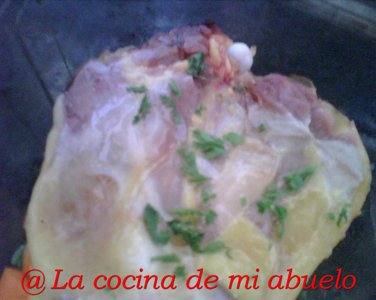 Tallar un pollo de agua de pecho rojo
