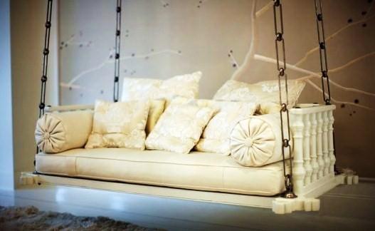 ... θα μπορούσατε να πάρετε ένα φθηνό ινδικό ξύλινο καναπέ 1e3db687907