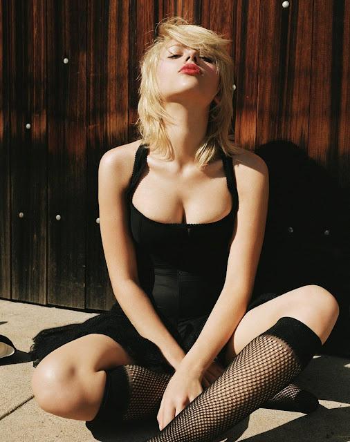 sexy scarlet johansson