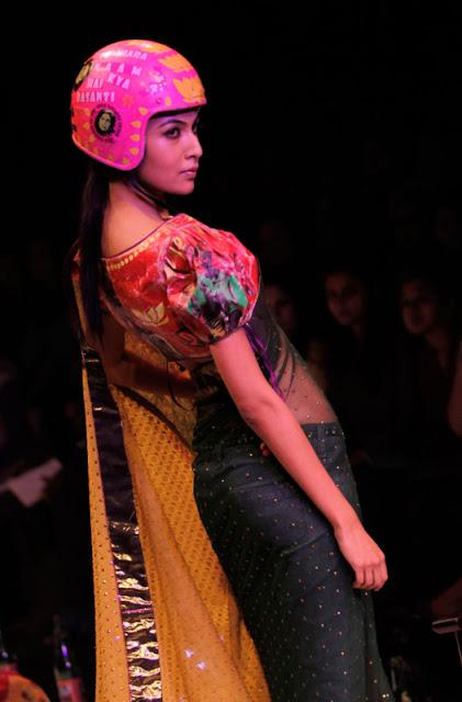 sexy indian sari3