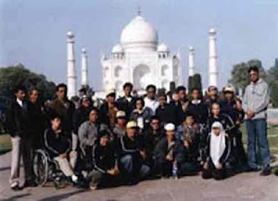 Bisa Berpose Di Depan Taj Mahal Gratis