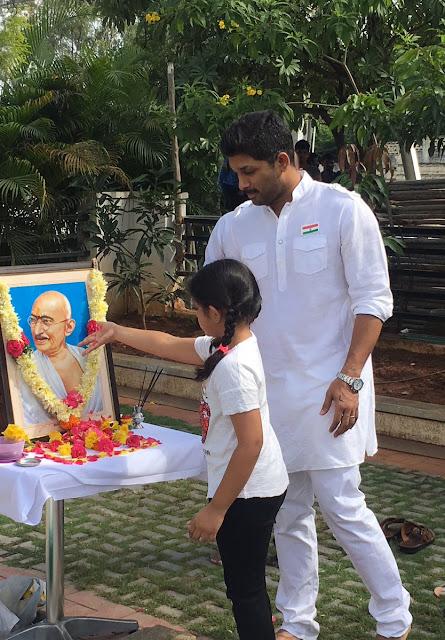Allu Arjun & Allu Aravind Celebrating Independence day at Geetha Arts office