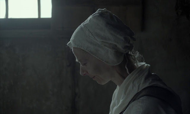The Witch 2015 English 720p BRRip 700MB Download Watch online