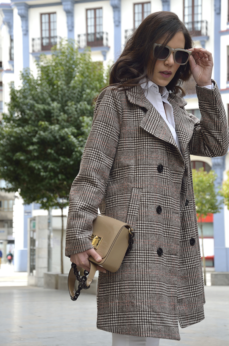 outfit_look_trends_gallery_wales_coat_white