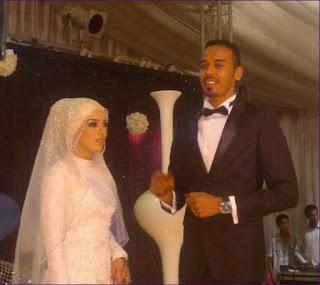 الاعلامي محمد عثمان  يحتفل بعيد زواجه الثالث ببرج كورنثيا