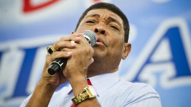 Pastor Valdemiro  ̶S̶a̶n̶d̶i̶a̶b̶o̶  é esfaqueado dentro de Igreja Mundial durante culto