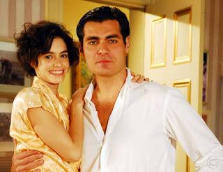 Nina (Maria Flor) e Conrado (Thiago Lacerda) eram o casal protagonista de 'Eterna Magia'