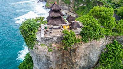 Hal Menarik Dari Wisata Pura Luhur Ulu Watu Beserta Lokasi dan Harga Tiket Masuk