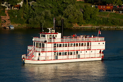 The Niagara Belle
