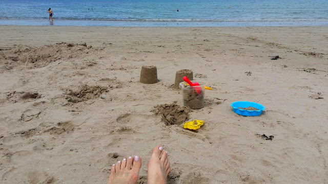 ranta, hiekkaämpäri, hiekkalapio, hiekkakakku, meri