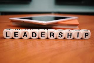 O amor como criterio de gestão produz líderes fracos e desprestigiados? Luciana Seluque Comportamento SoftSkills Inteligência Emocional Atitude Gestão