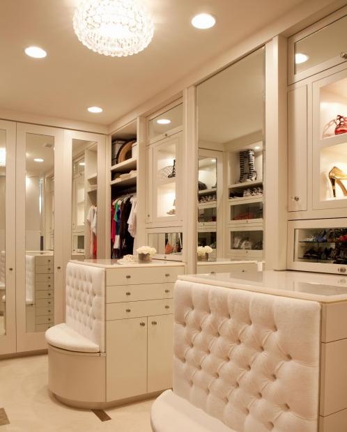 MODERN 24 SEVEN: Dressing Rooms