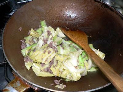 挽肉と炒める