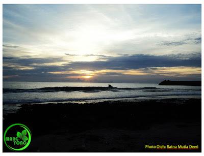 unset di Ujung Pantai Lhoknga (Photo Oleh: Ratna Mtia Dewi)