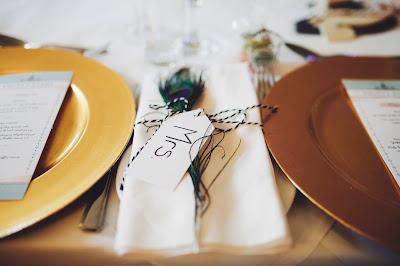 Asignación de puestos en mesa de boda a la novia