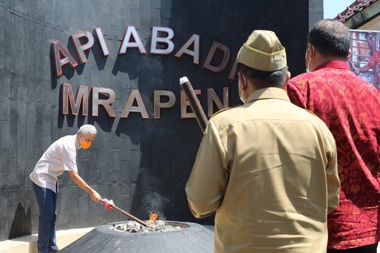 Penyalaan kembali Api Abadi Mrapen oleh Gubernur Jawa Tengah, Ganjar Pranowo - Foto dokumentasi Genpi Jateng