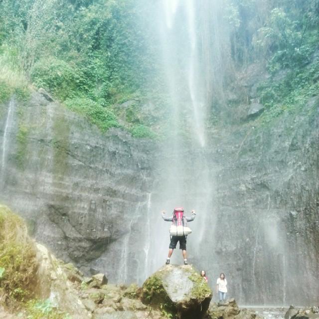 foto pemandangan air terjun kali pancur semarang