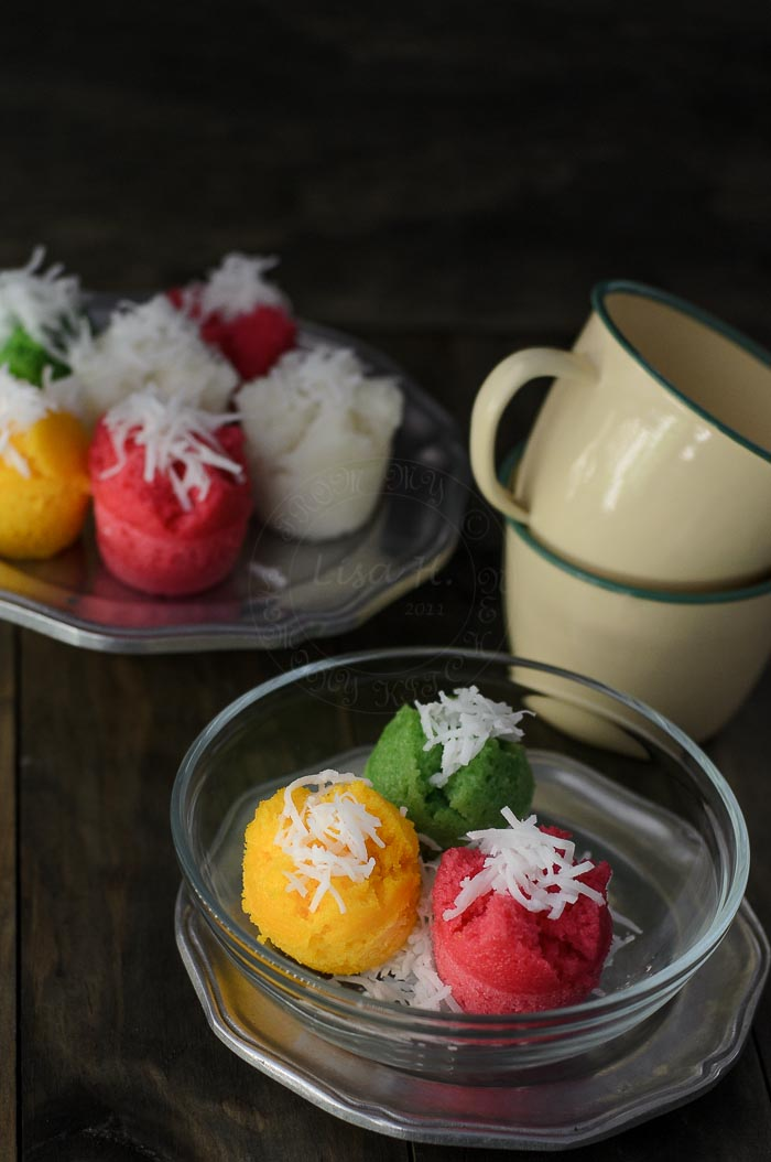 Gluten-Free Steamed Rice Cupcakes recipe