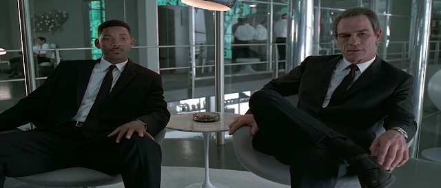 Men In Black 1997 Full Movie 300MB 700MB BRRip BluRay DVDrip DVDScr HDRip AVI MKV MP4 3GP Free Download pc movies
