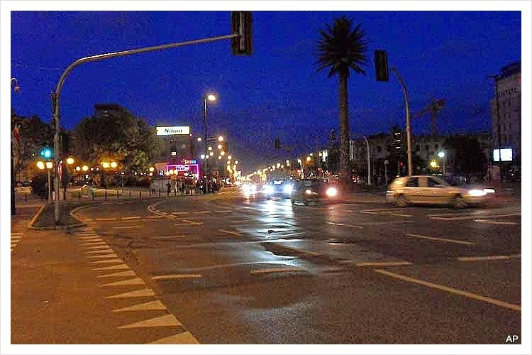 Kreuzung Nowy Swiat und Aleje Jerozolimskie Rondo de Gaulle