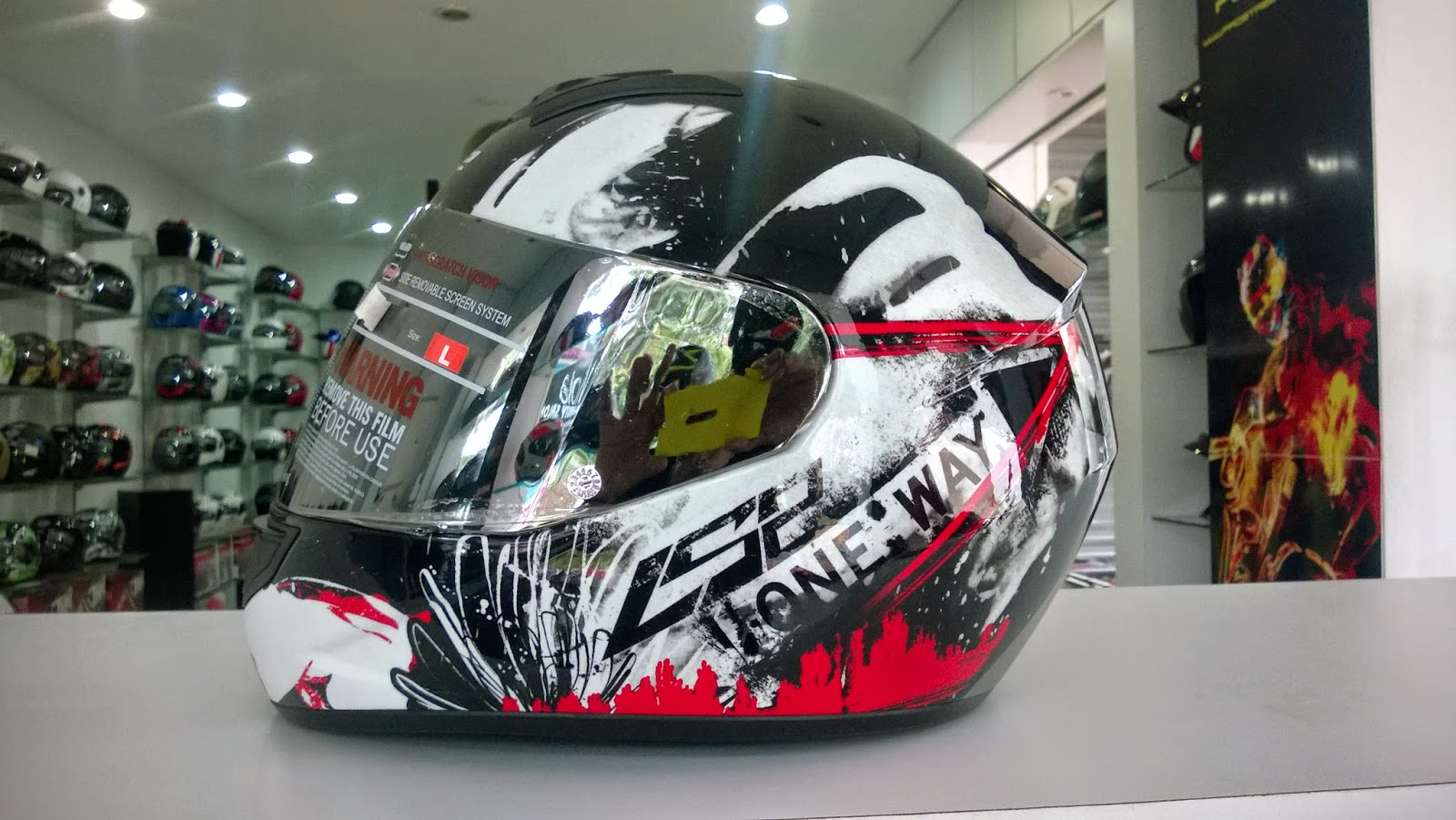 501e24c4 The lid is the same as the earlier LS2 FF350/FF351 models .Made with High  impact thermo plastic as LS2 calls it, the helmet shell seems solid .