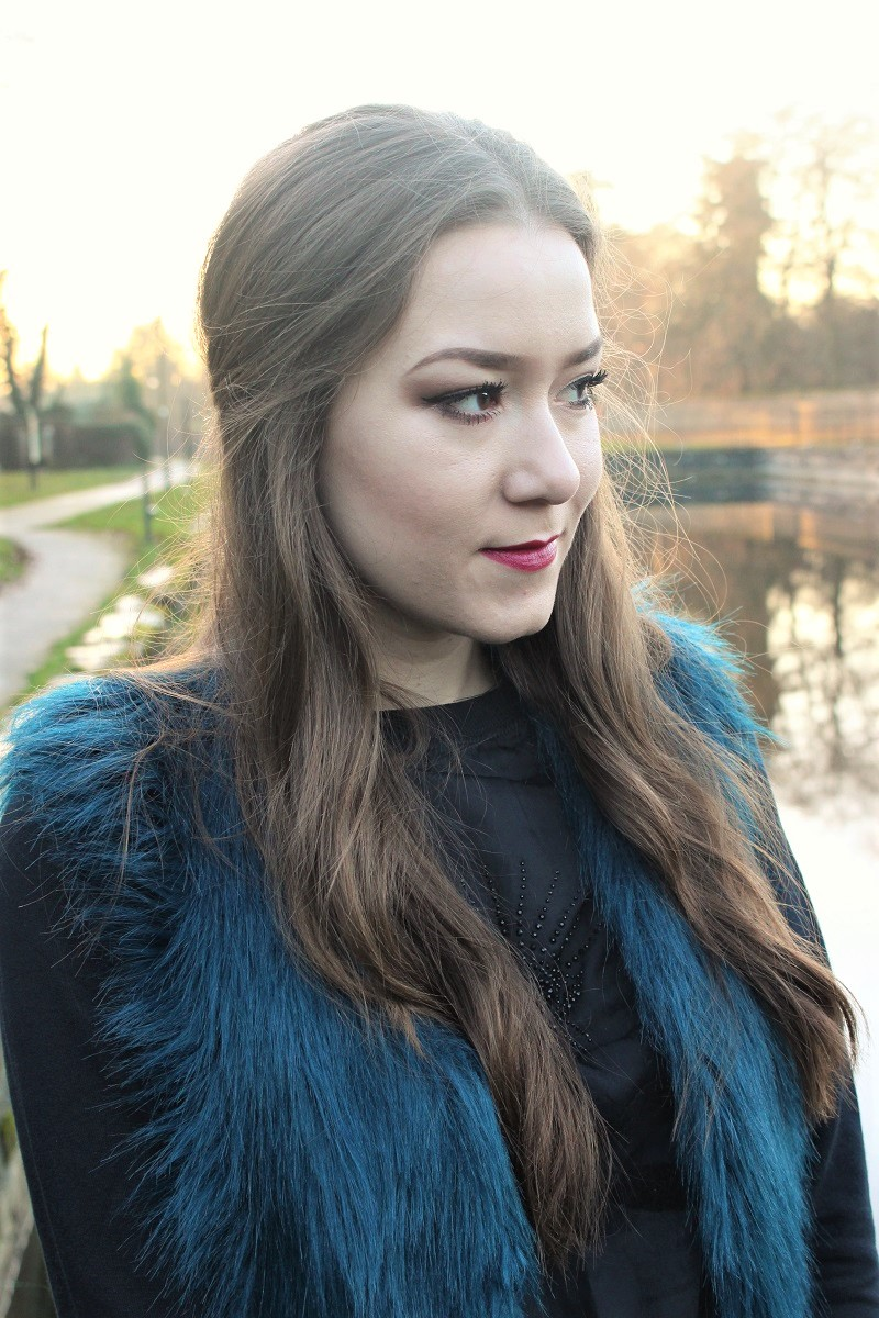long hair, brunette, slovak girl, slovak blogger, irish blogger