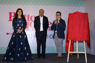 Bollywood Actress Juhi Chawla Launchs Better Homes 10th Anniversary Celetion Cover  0029.JPG
