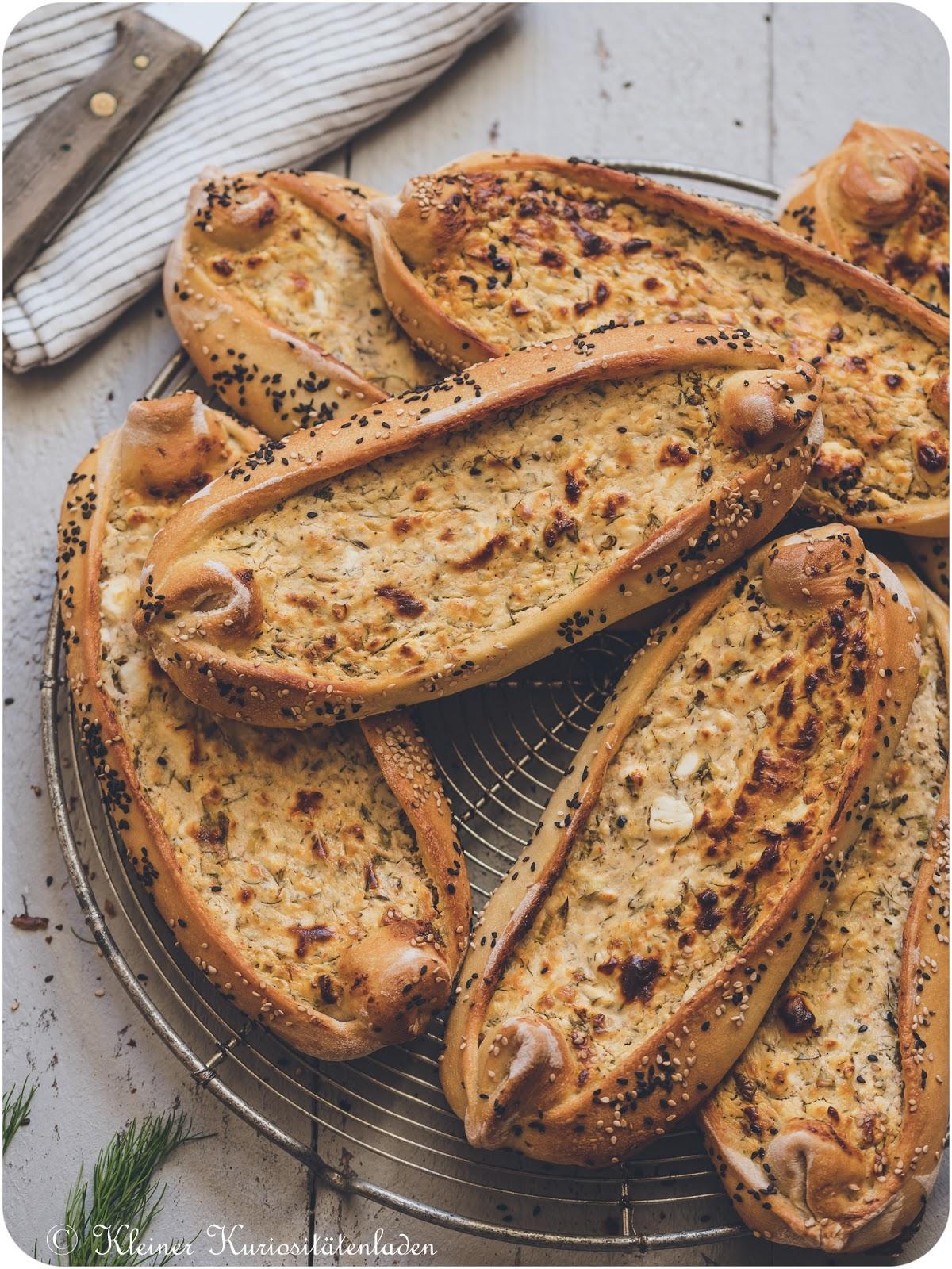 Peynirli Pide | Pide mit Fetafüllung