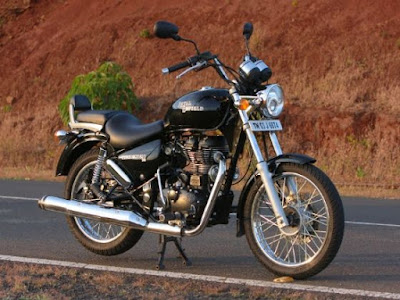 Royal Enfield Thunderbird 350 front on road image