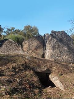 MENHIR / Anta 2 do Alcogulo, Castelo de Vide, Portugal