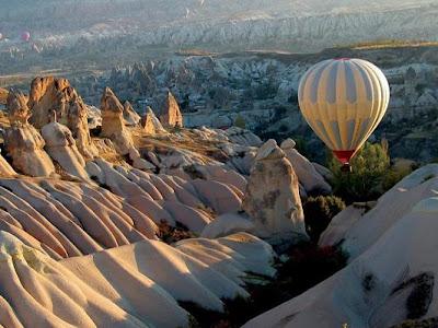 Νίκος Λυγερός... ποίηση. mountains nature hot air balloons Καππαδοκία!
