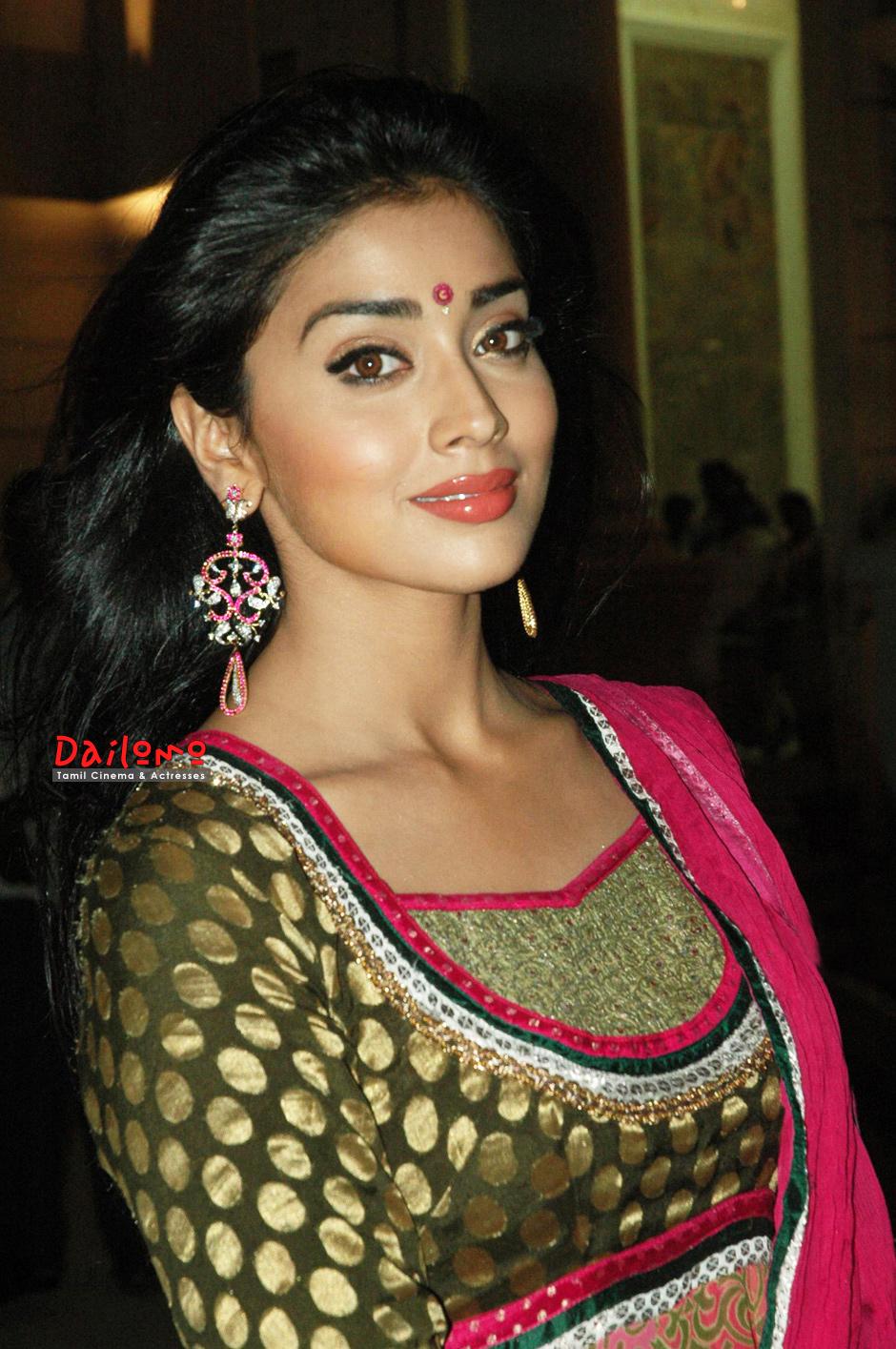 South Actors Photos Shriya Sarana-7813