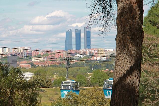 Madrid pilvenpiirtäjät ja teleferico casa de campo