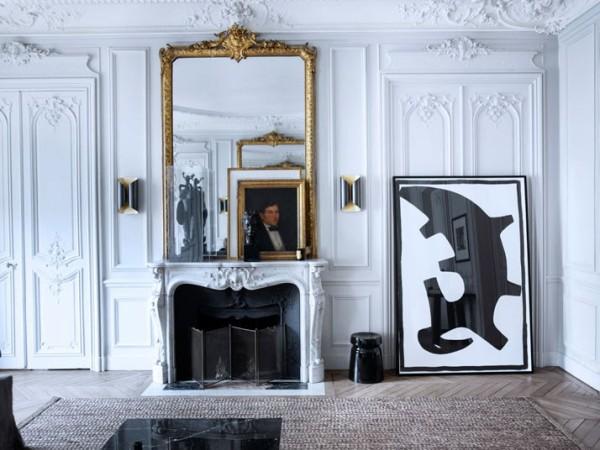 salon con chimenea clasica y decoracion contemporanea chicanddeco