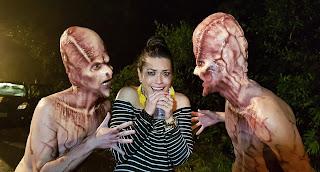 Milene será surpreendida por extraterrestres em nova pegadinha (Divulgação/SBT)