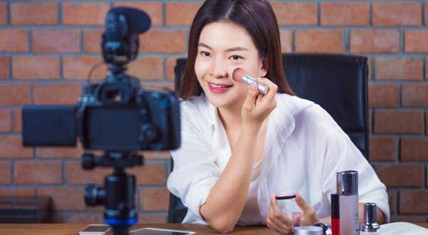 Gambar Tips Memulai Bisnis Make Up Artist (MUA) Dan Cara Promosi Yang Cocok