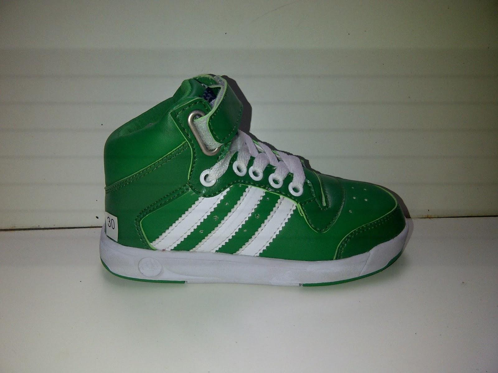 Sepatu Adidas Mini umur 3-8 tahun