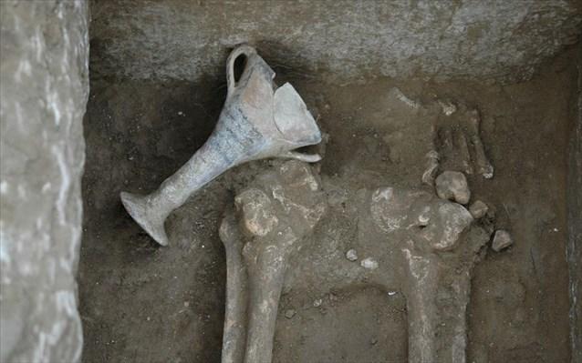 Κοζάνη: Στο «φως» μυκηναϊκό νεκροταφείο στη θέση Λογκάς
