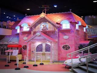 Gambar Rumah Hello Kitty Asli 7