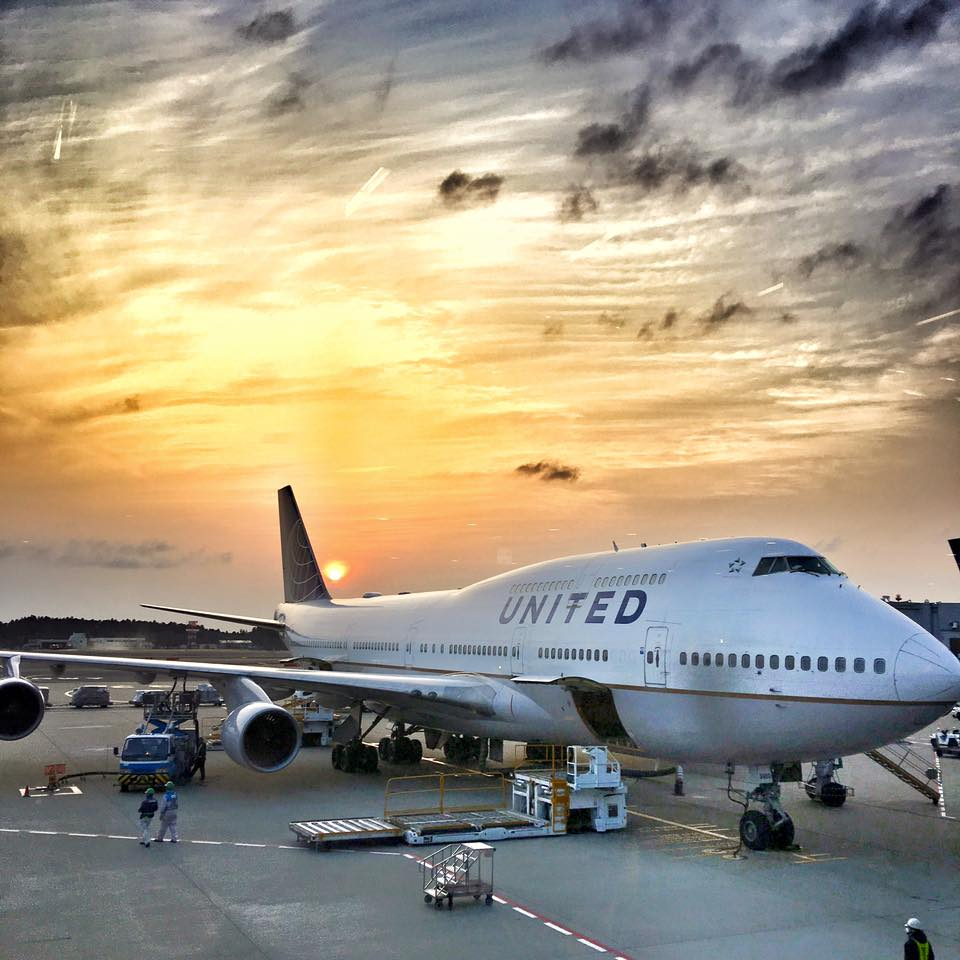 San Francisco Travel Diary- United Airlines in sunset