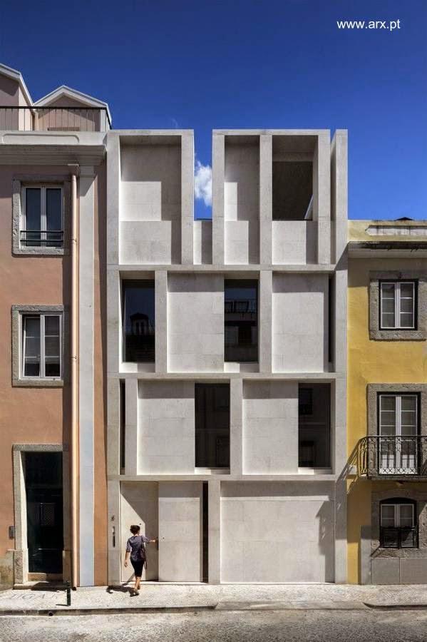 Fachada escultórica moderna en casa contemporánea de Lisboa, Portugal 2013