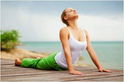 Tư thế rắn hổ mang khi tập yoga tại nhà
