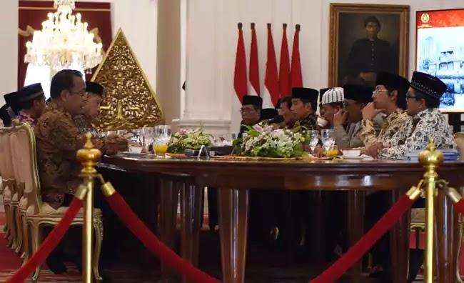 Jokowi bersama Kyai2