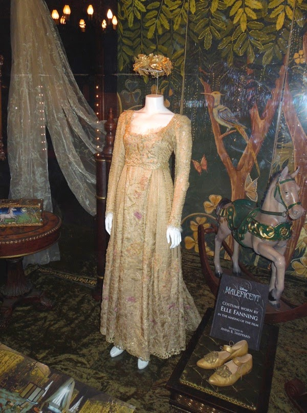 Hollywood Movie Costumes And Props Princess Aurora S