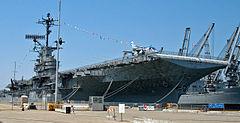 kapal USS Hornet yang merupakan tempat berkumpulnya hantu bergentayangan
