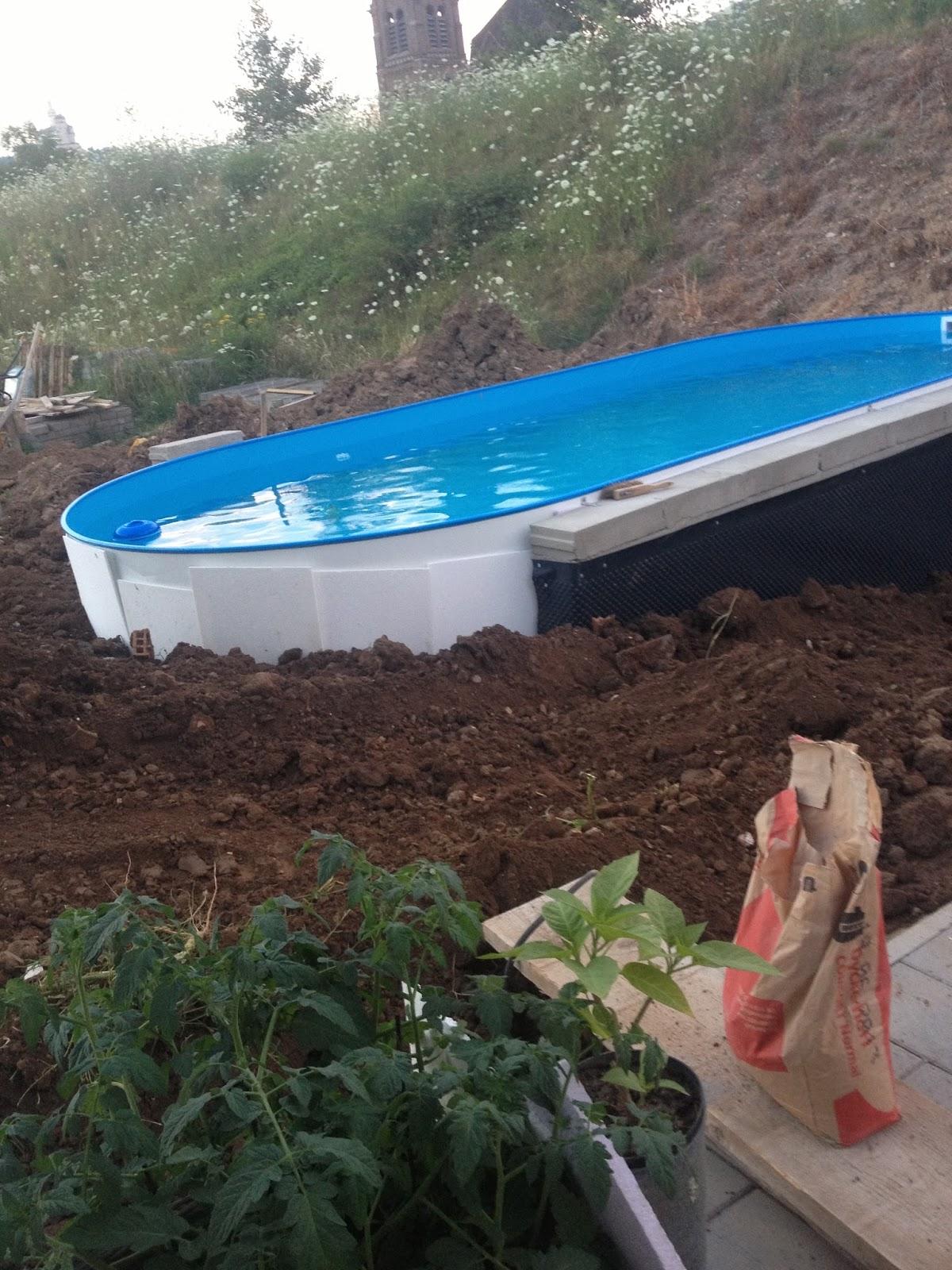 swimming pool am hang bauen ostseesuche com. Black Bedroom Furniture Sets. Home Design Ideas