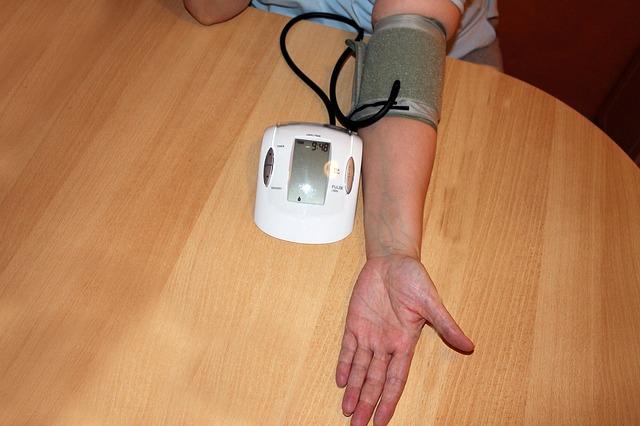 اعراض ارتفاع ضغط الدم : اسبابه وعلاجه